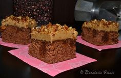Coffee and walnut cake Coffee And Walnut Cake, Happy Vegan, Food Cakes, Cake Recipes, Deserts, Good Food, Food And Drink, Sweets, Caramel