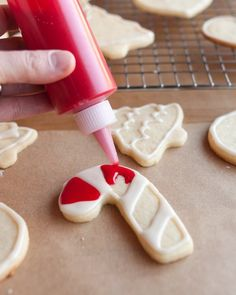When making memories is your cookie-decorating goal, reach for this easy two-ingredient cookie icing and our foolproof ingenious method.