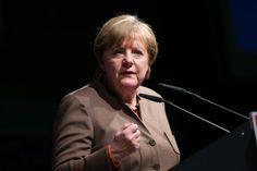 Kanzlerin Angela Merkel   Politischer Aschermittwoch CDU Volkmarsen   Fotograf Kassel   Karsten Socher Fotografie http://blog.ks-fotografie.net/pressefotografie/angela-merkel-volker-bouffier-kwhe16-volkmarsen/
