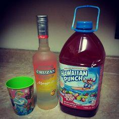 -Cruzan Mango Rum -Berry Limeade Blast Hawaiian Punch -serve on ice! Mango Rum Drinks, Malibu Mixed Drinks, Fruity Alcohol Drinks, Fruity Cocktails, Fruit Drinks, Party Drinks, Cocktail Drinks, Beverages, Easy Alcoholic Drinks
