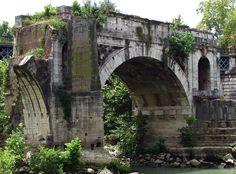 Pont Emilius - vestige d'une arche - IIIème avant JC