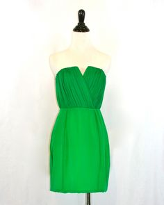 Naven Emerald Green Bombshell Dress by Violet Clover  | More luscious greens here: http://mylusciouslife.com/photo-galleries/a-colourful-life-colours-patterns-and-textiles/