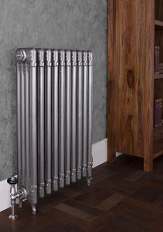 The Deco cast iron radiator from Carron has a design with geometric styling typical of the Art Deco period Curved Radiators, Cast Iron Radiators, Art Nouveau, Interior Styling, Interior Design, Cast Iron Fireplace, 1930s House, Designer Radiator, Architectural Antiques