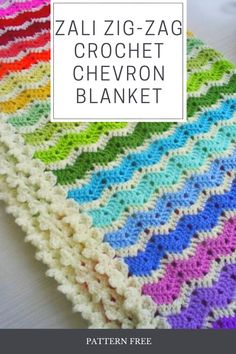 easy to execute, the zig zag pattern is a model made in crochet threads. You will learn the size of the blanket (it is important to remember that the size Zig Zag Crochet, Thread Crochet, Crochet Doilies, Crochet Baby, Free Crochet, Chevron Patterns, Zig Zag Pattern, Crochet Designs, Crochet Patterns
