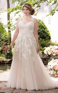 0d5eb4c3704704 6144 Lace Illusion Back Plus Size Wedding Dress by Stella York