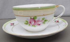 Teacup and saucer\Large Picture