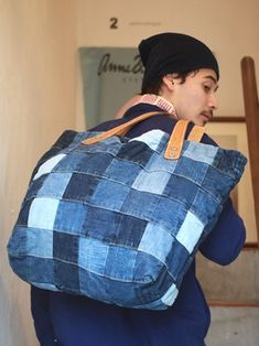 Bags & Handbag Trends: # jeans reform # bags # jean # putting - Home PageJean scrap bag with lace!denim and lace patchwork tote bagUse jeans scraps for this! Denim Bags From Jeans, Denim Tote Bags, Old Jeans, Denim Ideas, Denim Crafts, Diy Handbag, Recycled Denim, Patchwork Bags, Handmade Bags