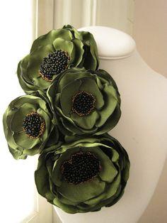broche de la flor de tela hecho de encargo por RiRiFisch en Etsy                                                                                                                                                                                 Más