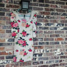 Rose body con dress Yay spring  !!!!   Perfect for warm weather!!!!  Has seen wear but is in good condition Dresses