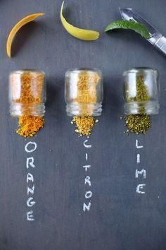 Poudre d'agrumes. Les utilisations ne manquent pas : brioches, poissons, sucres parfumés pour les crêpes...