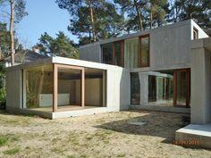 concrete house in Keerbergen; wooden windows, living in the wood, by sculp[IT]architects, www.sculp.it