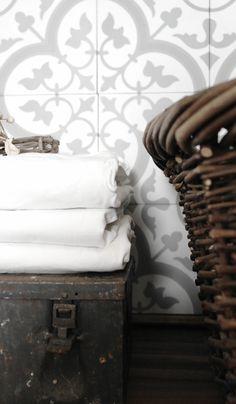 Vaskerom Historiske fliser. Elsker disse flisene og fliser i allmenhet fra historiske fliser...