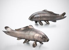Pair of silver carp. Signed Tansho. Circa 1900, Japan