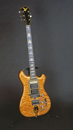Guitar with body shape of Alembic/Vintage Ibanez Music Guitar, Cool Guitar, Playing Guitar, Guitar Amp, Guitar Chords, Unique Guitars, Vintage Guitars, Jerry Garcia Band, Famous Guitars