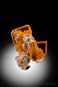 Tabular Wulfenite on matrix from Rowley Mine, Arizona