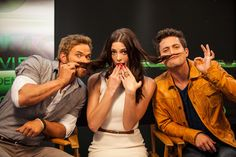 Ashley Greene, Nikki Reed, Jackson Rathbone, Kellan Lutz, Peter Facinelli & Elizabeth Reaser  Visit The Movies On Demand Lounge