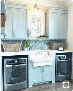 Exactly like this no sink in between cupboards above only