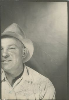 VINTAGE PHOTOBOOTH FAIL UNINTENTIONAL CROP FUNNY HAPPY SMILING OLD MAN FUN PHOTO