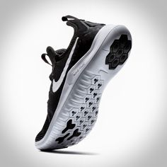 2018 Nike Free - Women's Training Ftw Collection on Behance Nike Training Shoes, Womens Training Shoes, Cross Training Shoes, Mens Gym Bag, Air Max Sneakers, Sneakers Nike, Simple Shoes, Everyday Shoes, Black White Fashion