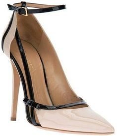 Raise your style game. Shop designer pumps for women at Farfetch and find Saint Laurent, Jimmy Choo and Valentino alongside each other. Zapatos Shoes, Women's Shoes, Me Too Shoes, Shoe Boots, Platform Shoes, Fall Shoes, Louboutin Shoes, Christian Louboutin, Stilettos