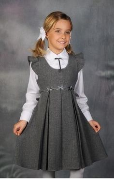 47 Rustic Kids Winter Outfits Ideas That You Need To Have Little Girl Dresses, Girls Dresses, Dresses 2016, Skirt Fashion, Fashion Dresses, Fashion Clothes, Style Clothes, Fashion Styles, Dress Anak
