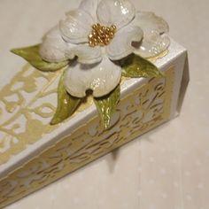 Papierowo zakręcona    : Pudełeczko -podziękowanie dla gosci weselnych