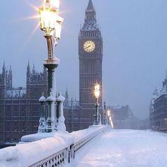 ❄️✨❄️✨❄️✨ #snow #christmastime #christmastree #merrychristmas #christmas