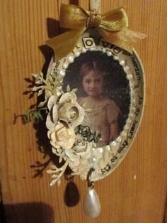 Welcome to eclectic Paperie's 'Get Altered Challenge! The Get Altered Challenge is held on the first Thursday of each month and. Victorian Christmas, Vintage Christmas, Christmas Crafts, Christmas Ornaments, Spoon Ornaments, Photo Ornaments, Shabby Chic Crafts, Vintage Crafts, Handmade Crafts