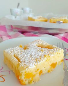 Ruck-Zuck Buttermilchkuchen :: Bella-cooks-and-travels Fun Deserts, Mini Burgers, Sweet Bakery, Bakery Cakes, Wonderful Recipe, Allrecipes, Brownies, Biscuits, Food And Drink