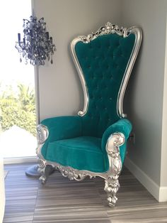 I love this!!!! I love this beautiful, uneconomical chair!!..