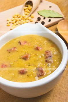 Grochówka wojskowa pea soup whit husked peas and bacon or sausage. Always use smoked meat. if it is Polish style pea soup mogą być żeberka you can use ribs smoked one of course. Polish Recipes, Polish Food, Tapas, Soup Recipes, Cooking Recipes, Pea Soup, Smoking Meat, Creative Food, Cooking
