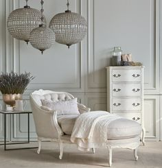 Farmhouse and Vintage Interior Design Tampa Andrea Lauren Elegant Interiors offers high end interior design and luxury home decorating services Vintage Interior Design, Interior Design Photos, Vintage Home Decor, Solid Wood Furniture, Upholstered Furniture, Home Furniture, Garden Furniture, Vintage Farmhouse, Interior Exterior