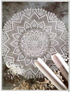 Crochet Dollies, Crochet Lace, Crochet Hooks, Crochet Patterns Filet, Crochet Doily Diagram, Crochet Crowd, Pineapple Design, Pineapple Crochet, Irish Crochet
