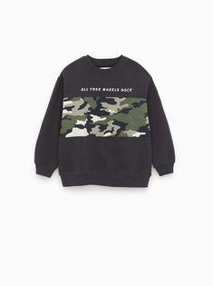 ZARA - Unisex - Plush sweatshirt with camouflage - Anthracite grey - 9 years inches) Knit Blazer, Knit Jacket, Checked Scarf, Zara Fashion, Kids Fashion, Striped Jacket, Pique Polo Shirt, Shorts With Pockets, Camo