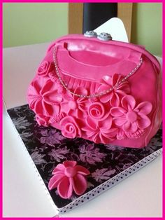 Pink Handbag Cake ~ all edible