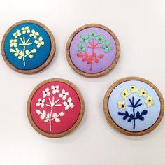 NHK横浜の刺繍教室の参加者さんの作品! 全員個性的‼︎ どの色も真似したい色です〜