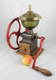 Antique PEUGEOT FRERES BREVETES # C1 single wheel Cast Iron Coffee mill Grinder