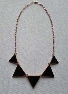 Kup mój przedmiot na #vintedpl http://www.vinted.pl/akcesoria/bizuteria/16178601-naszyjnik-kolia-trojkaty-czarny-stan-idealny