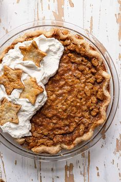Chocolate walnut bourbon pie with whipped cream on half. Chocolate Bourbon, Chocolate Pies, Decadent Chocolate, Delicious Chocolate, Delicious Desserts, Dessert Recipes, Easy Tart Recipes, Yummy Chicken Recipes, Cooking Recipes
