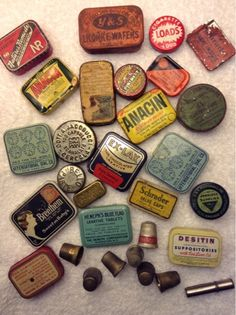 Vintage Antique Do you need to fill your steampunk/gypsy/hippie quota for the month? Look no further: Copper, Glass and Recycled Trash Vintage Tins, Vintage Love, Vintage Antiques, Retro Vintage, Vintage Sweets, Small Tins, Tin Containers, Vintage Packaging, Tin Boxes