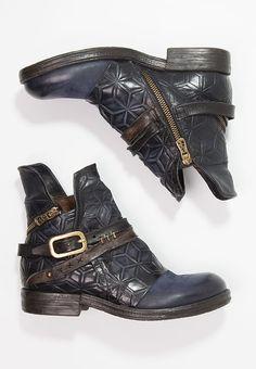 2d48a545b43ef9 Chaussures A.S.98 Santiags - night bleu foncé: 199,95 € chez Zalando (
