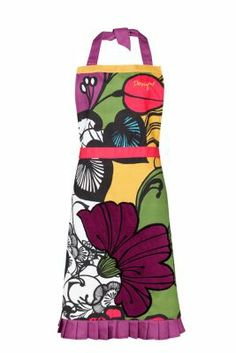 Desigual Floralia apron. 100% cotton with a stain resistant finish that protects against dirt and spills (although regular washing is still recommended). The embroidered flower is actually a towel so you can dry your hands while you cook.
