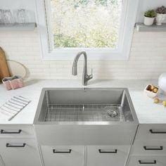 Stainless Steel Farmhouse Sink, Farmhouse Sink Kitchen, Kitchen Sinks, Stainless Sink, Kitchen Redo, Kitchen Ideas, Farmhouse Aprons, High End Kitchens, Single Bowl Kitchen Sink