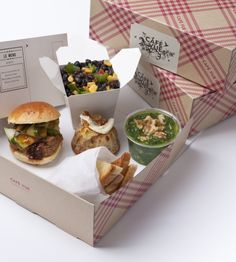 Café Vue at Melbourne International Airport - Image Gallery-Vue De Monde Bento Box, Lunch Box, Wedding Lunch, Whats For Lunch, Cafe Food, Food Trends, Museum Of Modern Art, Food Packaging, Food Presentation