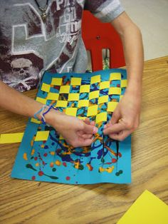 Jackson Pollock Drip painting/weaving Revisited I remember making these in elementary school. Paper Weaving, Weaving Art, Jackson Pollock, School Art Projects, Art School, Weaving For Kids, 4th Grade Art, Ecole Art, Weaving Projects