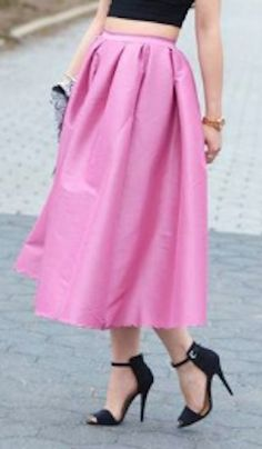 sweet pink midi skirt  http://rstyle.me/n/pnffcpdpe