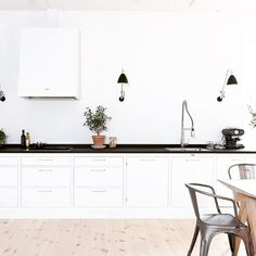 Creative Decoration How Is My New Kitchen Decor? Kitchen Interior, New Kitchen, Kitchen Dining, Kitchen Decor, Scandinavian Kitchen, Scandinavian Style, Upper Cabinets, Kitchen Cabinets, Open Concept Kitchen
