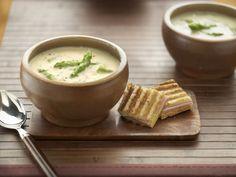 An Easy, Creamy Asparagus Soup
