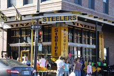 Strip district pittsburgh pa - blocks of fresh produce,restaurants and open air markets