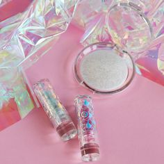 essence mermazing iridescent lipstick 01, essence mermazing iridescent lipstick 02, essence mermazing hololighter. #essenceexclusive